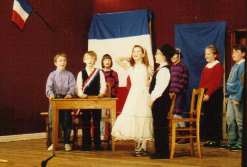 """""""Vive la mariée"""", interprétée par les élèves de l'école communale de Fenetrange"""